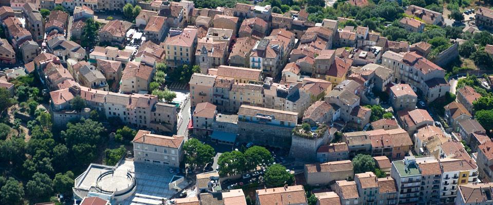 autovakantie-corsica-compleet-stad-porto-vecchio-960x400.jpg