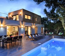 casa-julia-zwembad-terras-220x190.jpg